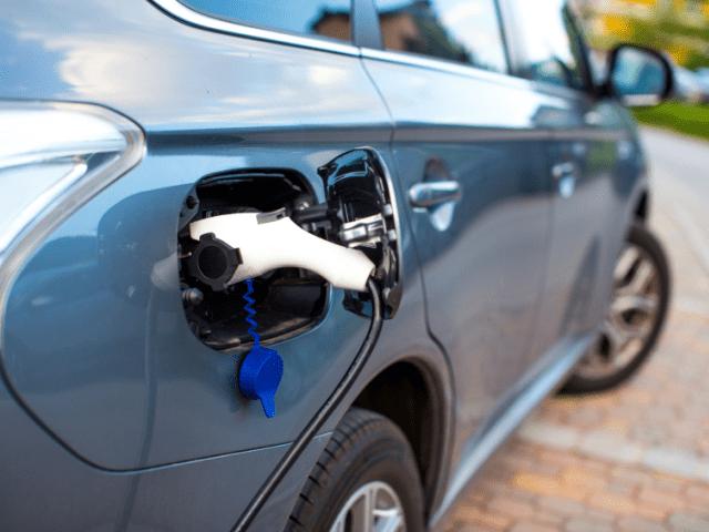 Зарядные устройства для электромобилей Outlander