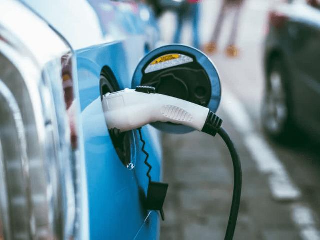 Зарядные устройства для электромобилей Toyota Prius
