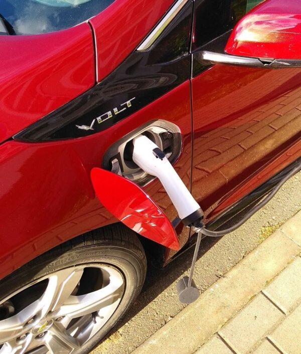 Заряжаем электромобиль